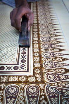 Rang-Decor {Interior Ideas predominantly Indian}: Art & Crafts of India: Ajrakh or Ajarakh