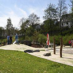 Minigolf für Groß und Klein: Der Abenteuer-Golfplatz am Viadukt in #Willingen ist ganzjährig geöffnet und garantiert nicht nur Familien mit Kindern jede Menge Freizeitspaß.   Foto: willingen.de