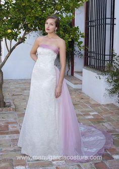 Manu Garcia 2013 Bridal Collection via fashionbride.wordpress.com