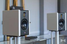 die mackie cr4 werden als multimedia lautsprecher. Black Bedroom Furniture Sets. Home Design Ideas