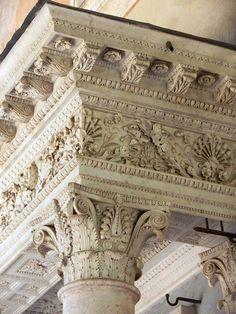 Villa Torlonia in Roma. Baroque Architecture, Classic Architecture, Architecture Details, Interior Architecture, Beautiful Buildings, Beautiful Places, Stone Decoration, Art Du Monde, Art Sculpture