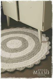 Virkattu pyöreä matto
