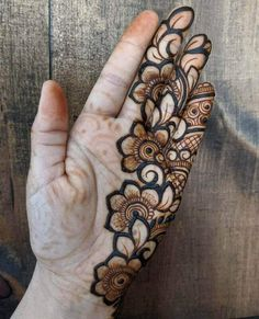 50 Most beautiful Chandigarh Mehndi Design (Chandigarh Henna Design) that you can apply on your Beautiful Hands and Body in daily life. Modern Henna Designs, Floral Henna Designs, Mehndi Designs Book, Simple Arabic Mehndi Designs, Indian Mehndi Designs, Full Hand Mehndi Designs, Mehndi Designs 2018, Mehndi Designs For Beginners, Mehndi Designs For Girls