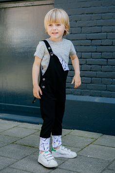 Boy's outfit, POCOPATO overalls Outfit of the day @kindermodeblog #black #overalls #monochrome #grey #comfy #basic #collection # inspirtion