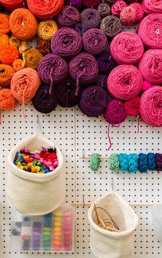 New craft room storage yarn display Ideas Yarn Storage, Craft Room Storage, Storage Ideas, Knitting Room, Knitting Yarn, New Crafts, Yarn Crafts, Kids Crafts, Yarn Display