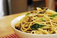 Kremalı Mantarlı Spagetti Baked Spaghetti Pie, Creamy Spaghetti, Spaghetti Recipes, Creamy Mushrooms, Stuffed Mushrooms, Stuffed Peppers, Rice Recipes, Pasta Recipes, Kitchens