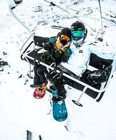 Place: a cozy ski lodge where we can ski obv lol Snowboard Girl, Foto Casual, Vail Colorado, Ski Season, Snow Bunnies, Snowy Day, Ski Fashion, Whistler, Snow Skiing
