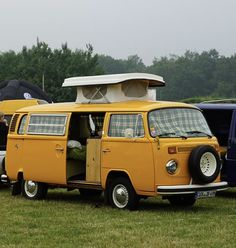 Bus Camper, Campers, Vw Bugs, Volkswagen Bus, Bay Window, Beetle, Cars And Motorcycles, Planes, Trains