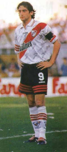 Enzo Francescoli Football Icon, World Football, Sport Football, Ronaldo, Fifa, Captain Tsubasa, Vintage Football, Best Player, Lionel Messi