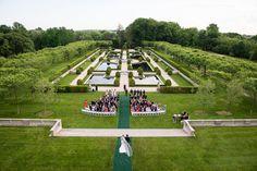 Boda en un castillo, increíble vista. Encuentra más inspiración en  http://bodatotal.com/?utm_content=bufferfb276&utm_medium=social&utm_source=pinterest.com&utm_campaign=buffer/?utm_content=bufferfb276&utm_medium=social&utm_source=pinterest.com&utm_campaign=buffer.    bodas en el jardín- bodas en primavera 2015