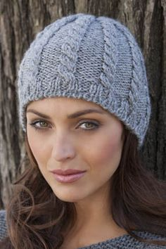 I love the simplicity of this cable hat.  Classic.  Plus I just can't get enough of grey lately.