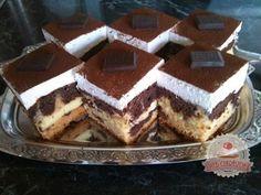 Kevés hozzávalókból is lehet nagyszerű süteményt kreálni. Tuxedo Cake, Hungarian Recipes, Hungarian Food, Mousse Cake, Cake Cookies, Tiramisu, Food And Drink, Sweets, Snacks
