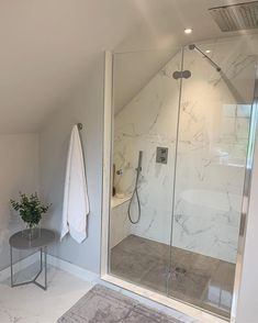 has designed this beuatifully simplistic shower room ensuite. We love the light coloured scheme and marble shower wall. Loft Ensuite, Loft Bathroom, Ensuite Bathrooms, Bathroom Renos, Upstairs Bathrooms, Marble Bathrooms, Attic Shower, Small Attic Bathroom, Small Bathroom Plans