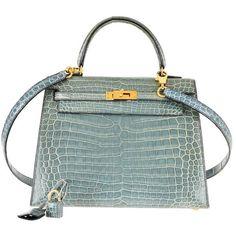 Hermes 25cm Kelly Crocodile Porosus Blue Jean Bag Gold Hardware... (166.705 BRL) ❤ liked on Polyvore featuring bags, handbags, borse, crocodile purse, blue handbags, hermes handbags, green handbags and hermes bag