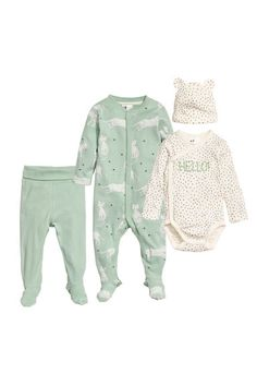 Four-piece Cotton Set - Dusky green - Kids Fashion Kids, H&m Fashion, Neutral Baby Clothes, Cute Baby Clothes, Newborn Outfits, Baby Boy Outfits, Baby Girl Pajamas, Kids Pants, Coton Bio
