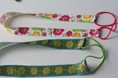 easy headband with ribbon and hair ties!