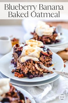 Easy Blueberry and Banana Baked Oatmeal. Healthy and vegan breakfast recipe. Baked Oatmeal Recipes, Oats Recipes, Dessert Recipes, Recipies, Gluten Free Oats, Gluten Free Baking, Vegan Baking, Healthy Vegan Breakfast, Healthy Snacks