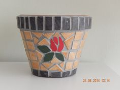 The reverse side of Red Rose Plant Pot!