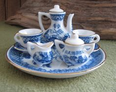 Blue Willow Miniature Tea Set Childs Blue Willow by LazyYVintage