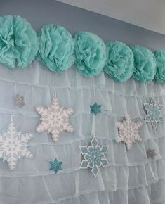How To Throw The Perfect Frozen Themed Birthday Party!