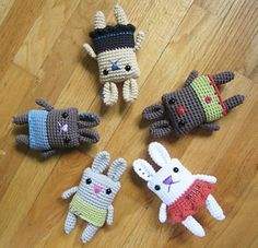 Use your small amounts of yarn to make these cute and fun amigurumi bunnies with colorful skirts and boxes. The Boxy Skirt Bunny pattern by Minazara is super cute and really easy for a beginner crocheter. About 6 inches tall, these girls and boys bunnies serve a multitude of purposes, from beautiful amigurumi toy to …