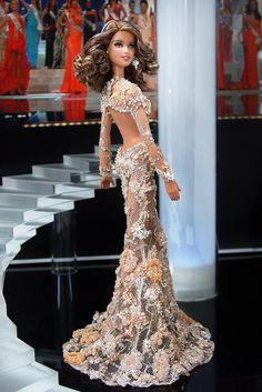 Miss USA 2012 – Vestido de gala inspirado en el que Miss Indonesia llevaba en el concurso de  Miss Universo 2013
