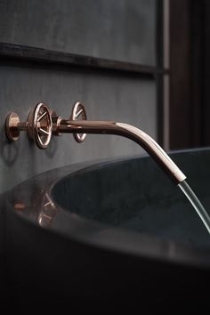 Love these taps .... Belmond Eagle Island Lodge - Okavongo Delta - Featuring distinctive Cemcrete finishes
