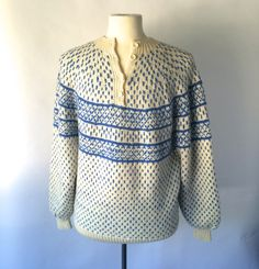 Hand Knit Vintage Norwegian Chunky Wool Sweater   Blue and White  Large XL   Men Women