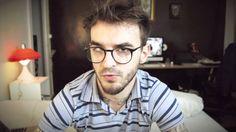 Vlogger ensina dicas básicas para produzir uma figura humana no Photoshop.