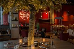 Heel speciaal, ook De pasta Kantine Breda heeft een eigen boom gekregen!