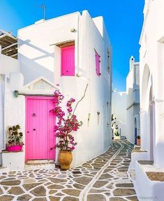 via Beautiful Paros in Greece Have you ever been here? … - Hippie home decor Vacation Trips, Dream Vacations, Happy Evening, Paros Island, Hippie Home Decor, Bohemian Decor, Greece Travel, Greece Trip, Beautiful Places