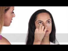 La diferencia entre el corrector y el iluminador y para qué, cómo y dónde se deben aplicar con fotos, vídeos y tutoriales. Corrector Mary Kay, Tips Belleza, Beauty, Makeup Tutorials, Best Under Eye Cream, Mary Kay Cosmetics, Grains, Cosmetology