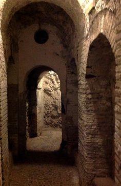 El subsuelo de nuestro jardín está formado por un entramado de vías subterráneas que comunica dos calles granadinas #MuseumWeek #secretsMW
