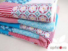 Quilts & Patchwork - PUSTEBLUME Kuscheldecke Sofadecke - ein Designerstück von apfeleva bei DaWanda