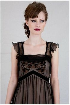 The Empire Doll Dress is fun, flirty and ready for cocktails. http://www.natayadresses.com/275-thickbox/vintage-style-1920s-flirty-summer-dress.jpg