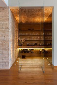 Weinkeller im Landhausstil von Beth Nejm
