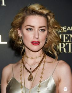 Amber Heard looks glowing in slinky gold gown at the L'Oreal Women Of Worth Awards with Eva Longoria Amber Heard Style, Amber Heard Feet, Beauty Full Girl, Beauty Women, Pure Beauty, Beautiful People, Most Beautiful, Gorgeous Women, Womens Worth