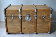 Old trunk by NaphthalineBrocante on Etsy Source by sselha Wooden Trunks, Old Trunks, Wood Tool Box, Wood Tools, Trunk Makeover, Painted Trunk, Vintage Suitcases, Antique Lighting, Wood Crates