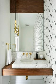 Bathroom Small Wall Mounted Powder Room Vanities With White Marble Top And Polished Brass Faucet Plus Wall Mounted Mirror Decor Awesome Powder Room Vanities For Your Bathroom Design Tiny Powder Rooms, Modern Powder Rooms, Bad Inspiration, Bathroom Inspiration, Bathroom Inspo, Bathroom Ideas, Powder Room Vanity, Decoracion Vintage Chic, Powder Room Design