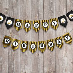 This theme is explosive! Dump everything and grab our adorable construction themed printables. Product includes: Bunting / Flags (Full alphabet + two extra designs) Party Bunting, Bunting Flags, Construction Party, Cupcake Wrappers, Party In A Box, Party Printables, Invitations, Design