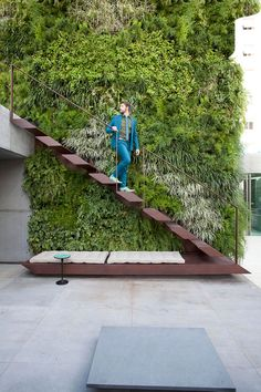"Christian Liaigre: ""People Need Beauty"" Vertical Garden Design, Vertical Bar, Exterior Stairs, Outdoor Stairs, Modern Stairs, Green Architecture, Staircase Design, Diy Garden Decor, Stairways"