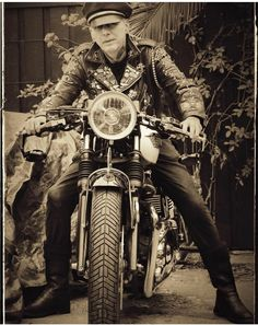 Kim Nekroman (💦) Psychobilly, Rockabilly, British, Bike, Fictional Characters, Instagram, Bicycle, Bicycles, Fantasy Characters
