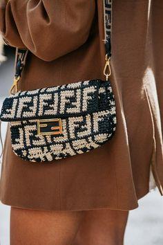 Die Street Styles der Berlin Fashion Week im Juli 2019 - Trendy Shoes For Women Berlin Fashion, Tokyo Street Fashion, New York Fashion, Street Style Summer, Casual Street Style, Spring Style, Moda Fashion, Fashion Bags, Fashion Fashion