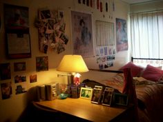Dorm decor, I like the desk setup :)