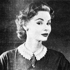 Pattern: The Vintage Pattern Files: 1950's Crochet - Velvet & Pearl Collar