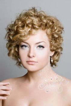 cute short hairstyles for naturally curly hair