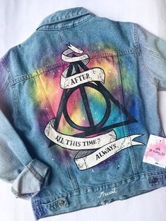 Harry Potter Jacket, Mode Harry Potter, Harry Potter Style, Harry Potter Tumblr, Harry Potter Outfits, Harry Potter Pictures, Painted Jeans, Painted Clothes, Painted Converse