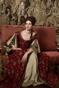 A gallery of Versailles publicity stills and other photos. Featuring George Blagden, Alexander Vlahos, Evan Williams, Stuart Bowman and others. Theatre Costumes, Movie Costumes, Alexander Vlahos, Mode Rococo, Versailles Tv Series, Versailles Bbc, 17th Century Fashion, Maria Theresa, Rococo Fashion