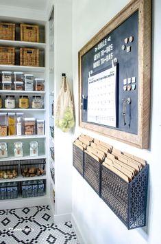 Kitchen Pantry Design, Kitchen Storage, New Kitchen, Kitchen Decor, Kitchen Pantries, Kitchen Ideas, Awesome Kitchen, Kitchen Layout, Organizing Ideas For Kitchen