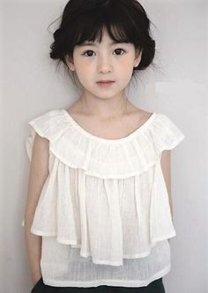 A striped tiered blouse for girls, can be dressed up for occasions or for everyday. Cotton Colour: Ivory with shimmery silver stripes. Kids outfits for school, super cute idea for tweens and girls. Little Girl Fashion, Kids Fashion, Fashion Clothes, Fashion Shoes, Fall Fashion, Fashion Trends, Style Baby, Girls Blouse, Inspiration Mode